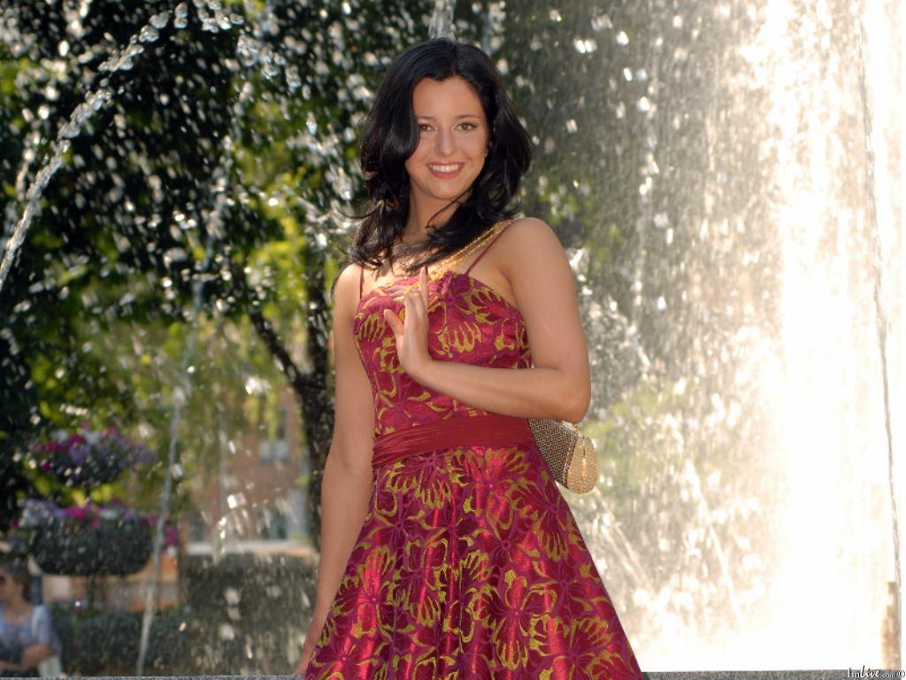 MonicaDew's Profile Image
