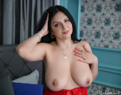 AlexaSaunders, 39 – Live Adult cam-girls and Sex Chat on Livex-cams