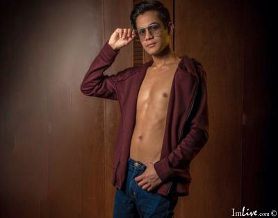 ElliotGreyx, 22 – Live Adult gay and Sex Chat on Livex-cams