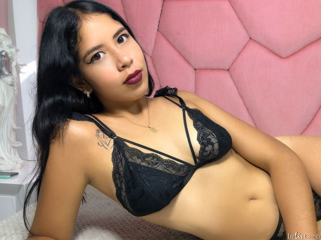Watch Karly_Mutton live on cam at ImLive