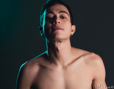 lianxhenaoYou, 25 – Live Adult gay and Sex Chat on Livex-cams