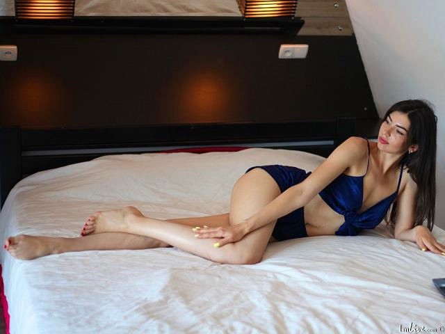 Watch  Lovely_Angell live on cam at ImLive